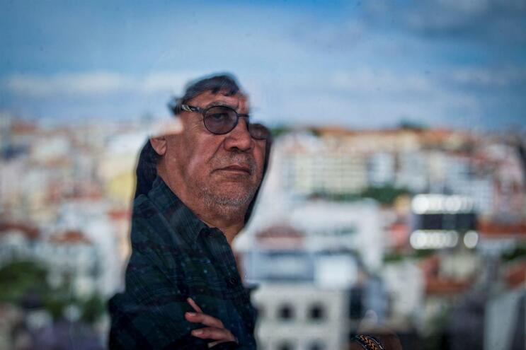 Morreu o escritor Luis Sepúlveda com Covid-19
