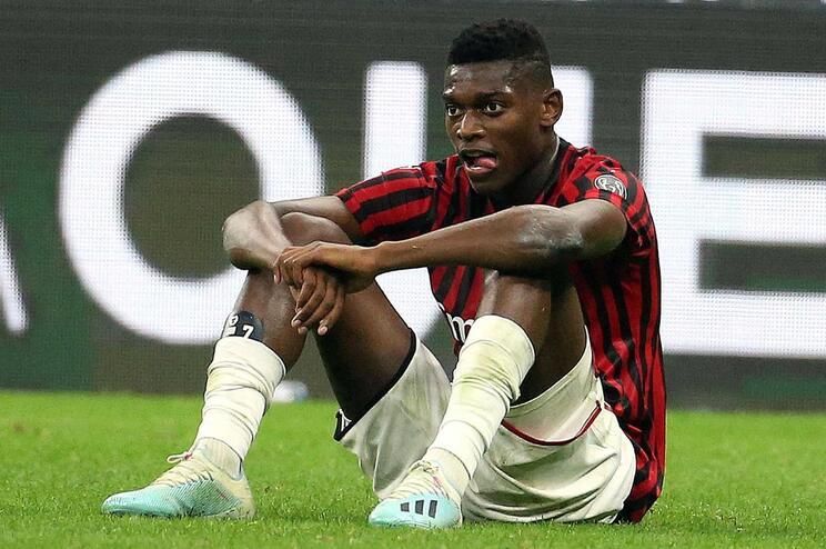 Rafael Leão fica sem treinador no AC Milan