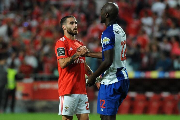 Benfica aposta nos jovens e F. C. Porto está mais português