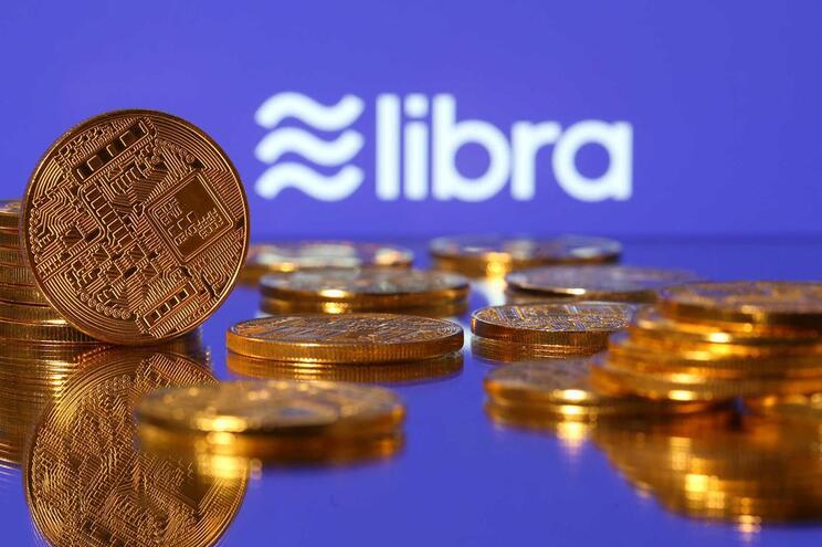 Facebook prepara lançamento de moeda virtual