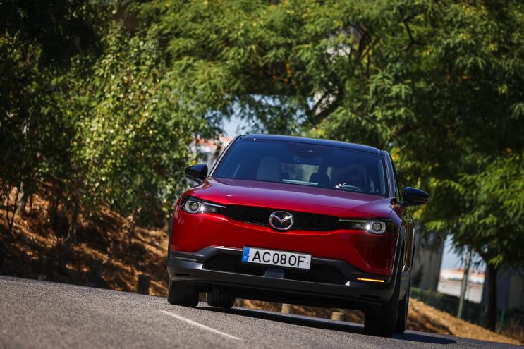 O novo Mazda MX-30 já está à venda em Portugal
