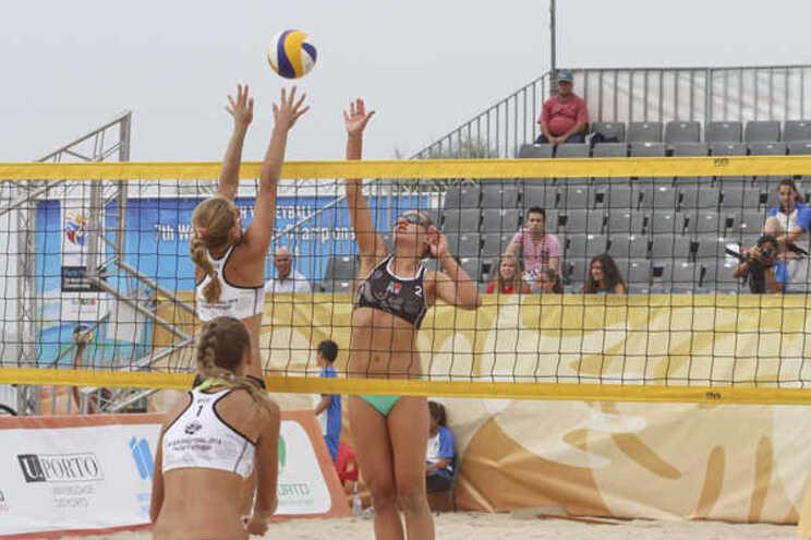 Mundial de voleibol de praia adiado para 2022
