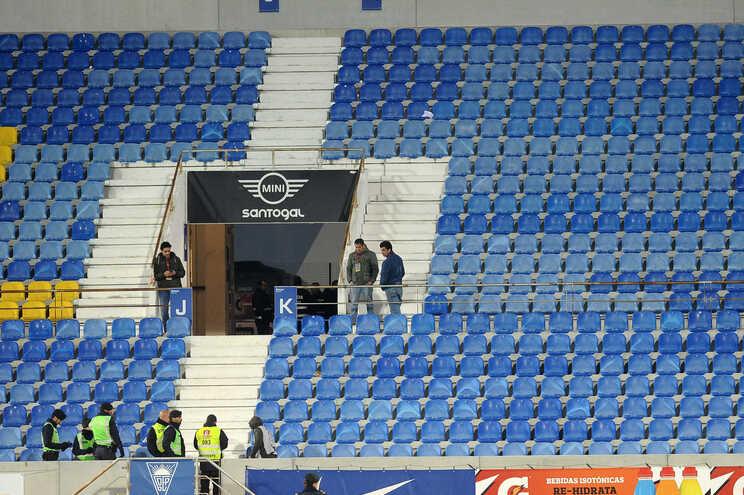 Estoril anunciou troca de lugares para o jogo com o F. C. Porto