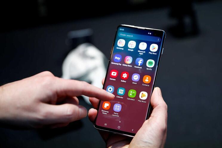 Estudo revela que a maioria das interações dos participantes nos telemóveis são automáticas