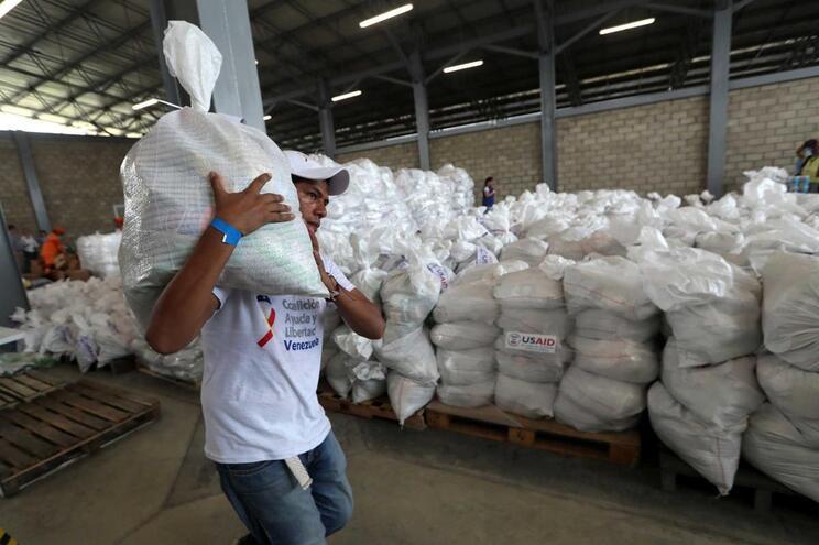 Holanda vai instalar centro de ajuda em Curaçao para apoiar venezuelanos