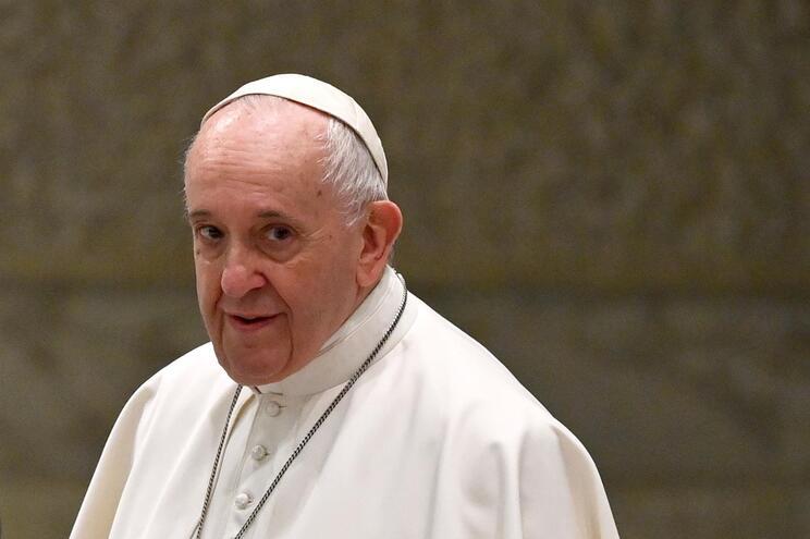 Papa Francisco defende uniões civis de casais homossexuais