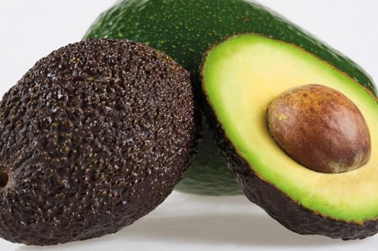 """Primeira fruta colhida apresenta qualidade e tamanho """"excelentes"""""""