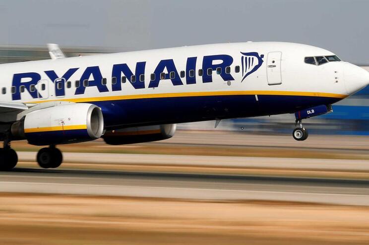 Greves de pilotos da Ryanair cancela quase 400 voos na sexta-feira