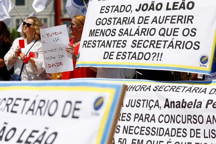 Resultado de imagem para Pré-avisos de greve sobem 75% até Julho para valor mais elevado desde 2013
