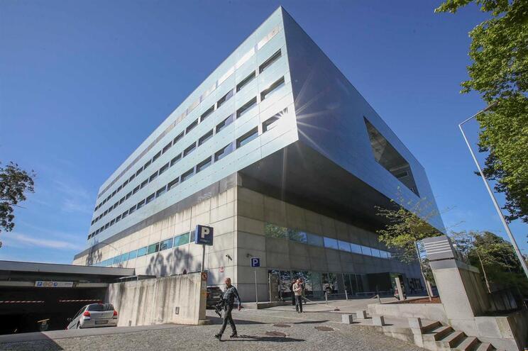 Concorrência faz buscas em nove hospitais privados