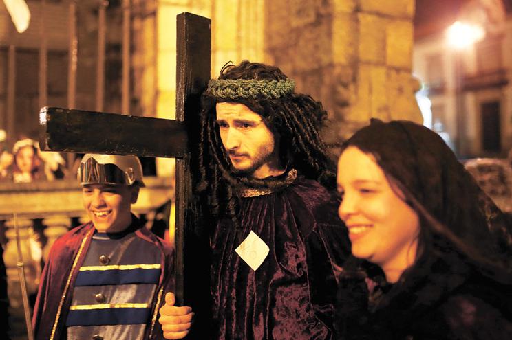 Procissões como a realizada anualmente em Braga foram canceladas
