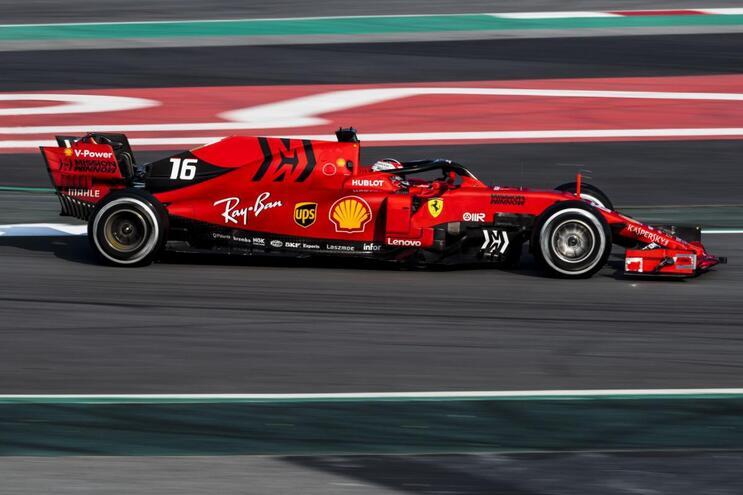 F1/Barcelona (dia 3): Leclerc recoloca Ferrari no topo; Gasly despista-se com Red Bull