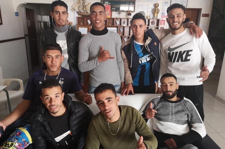 Oito jovens marroquinos chegaram de barco ao Algarve em dezembro