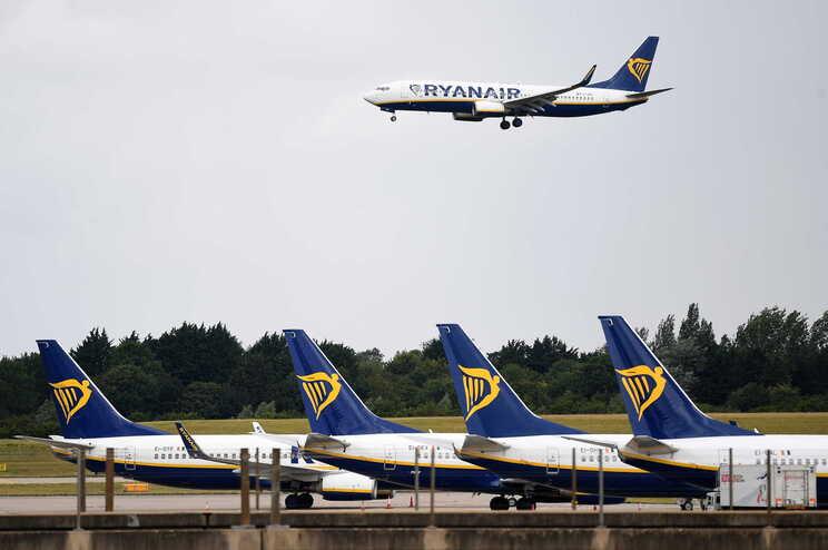 """Crewlink/Ryanair aderiu ao """"lay-off"""" simplificado em abril mas não pagou salários de março"""