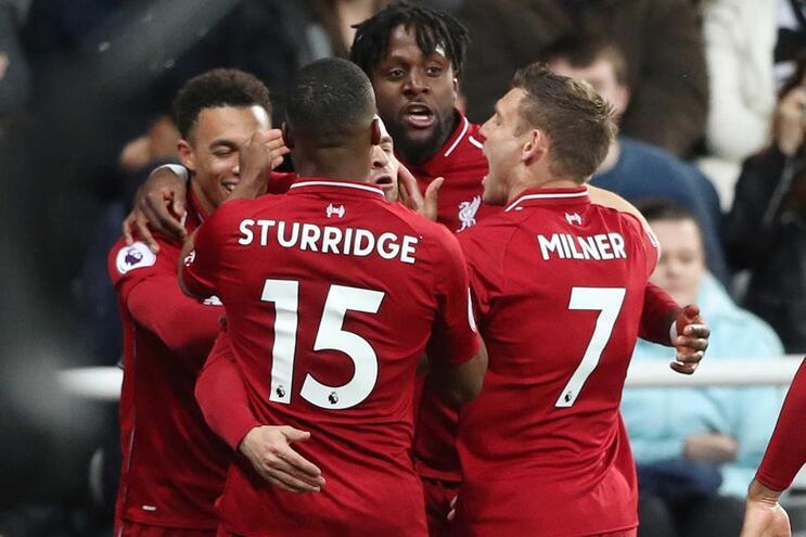 Liverpool com recuperação à campeão e Salah lesionado