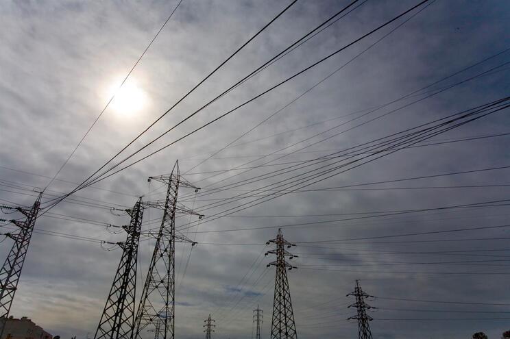 Apoio do Estado para pagar a fatura da luz afinal tem limites