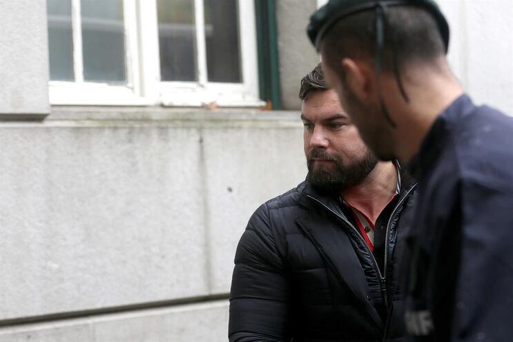 Militar da GNR suspeito de burlas a idosos fica em prisão preventiva