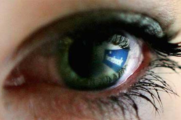 """Sistema será """"capaz de detetar as 'fake news' nas redes sociais de um modo automático"""""""