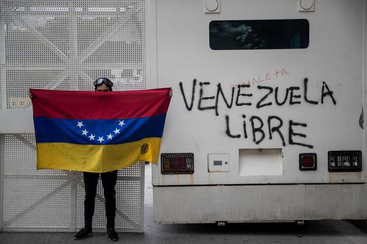 Argentina impediu a entrada de dois sindicalistas afetos ao regime de Maduro