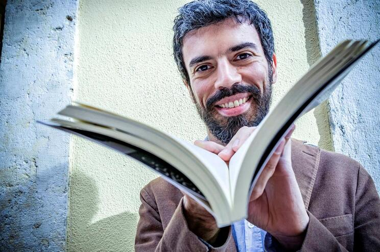 Um prémio Man Booker, John Freeman e novo livro de João Tordo