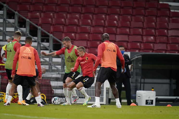 Seleção belga vai testar todo o plantel devido a caso postivo