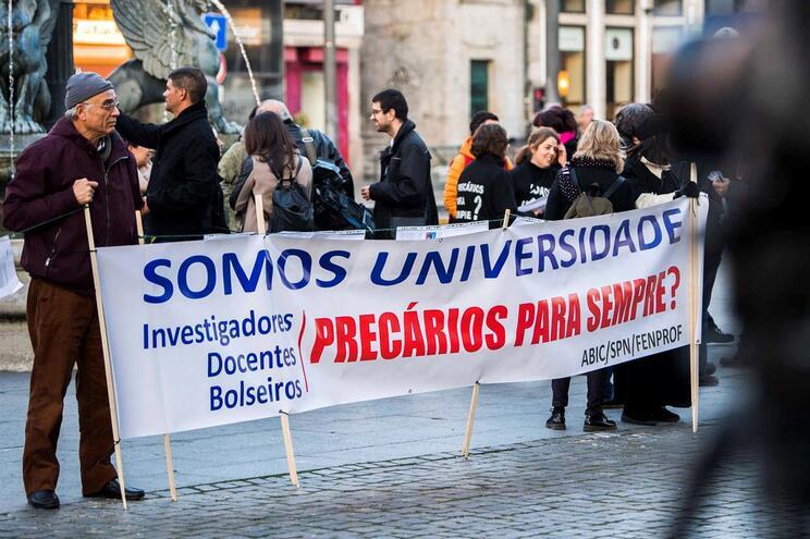 Professores e investigadores criticaram no Porto números de aprovação dos precários