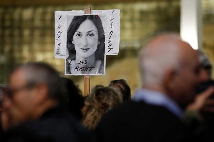 Ex-chefe de gabinete do primeiro-ministro de Malta detido em caso de jornalista assassinada