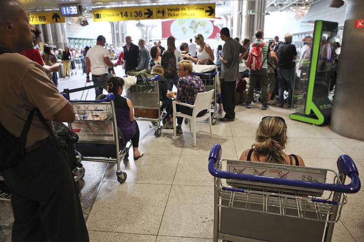 Em Portugal, perturbações afetaram 240 mil passageiros