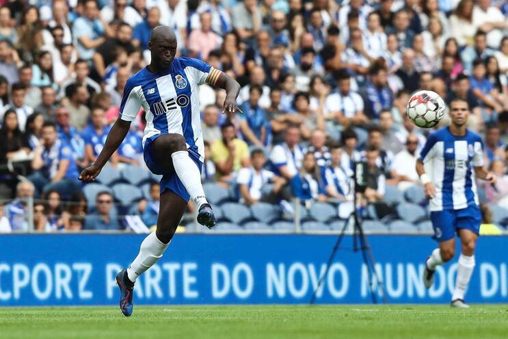 Danilo titular no F. C. Porto para o encontro com o Krasnodar