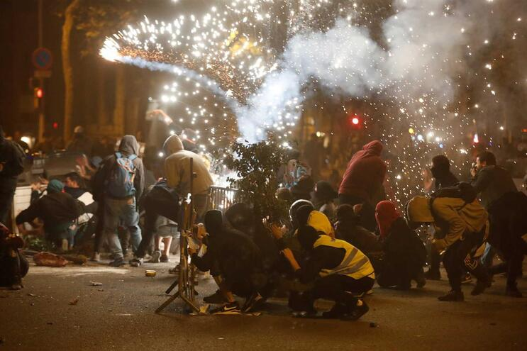 Resultado de imagem para protestos street