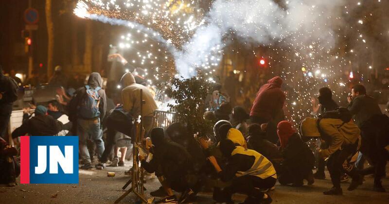 Manifestação e greve geral marcam continuação dos protestos na Catalunha