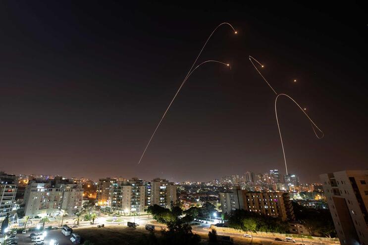 """O """"Iron Dome"""", o sistema anti-míssil de Israel em ação"""