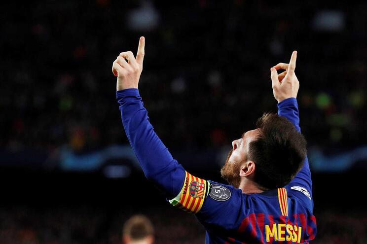Veja o golaço de Messi frente ao Liverpool