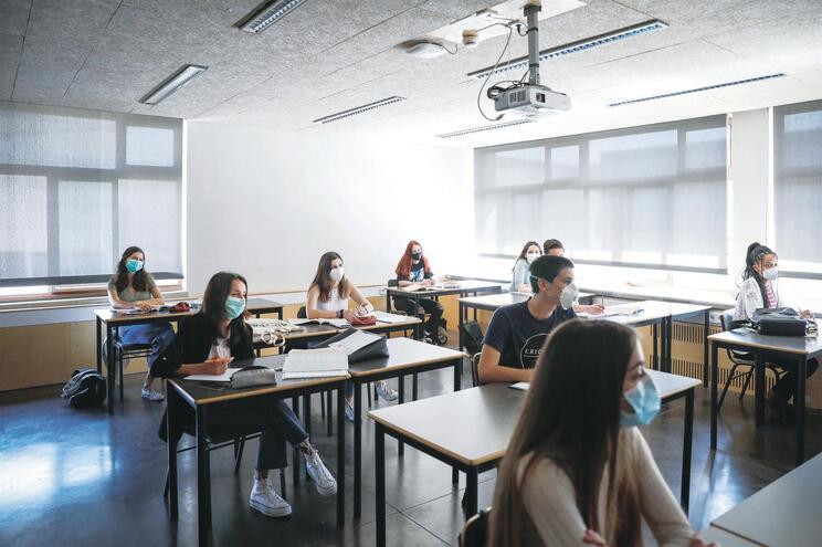 As escolas estão a preparar-se para arrancar o ano letivo em regime presencial