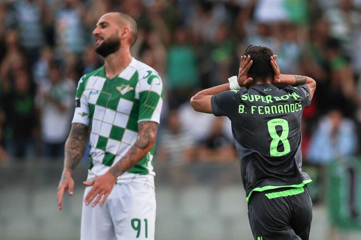 Bruno Fernandes festeja o golo do Sporting