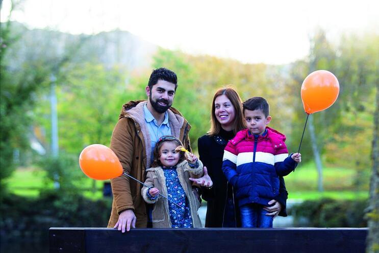 A família Morais - os pais Tiago e Liliana e os filhos Carolina e Afonso - reconhece que desfrutar de