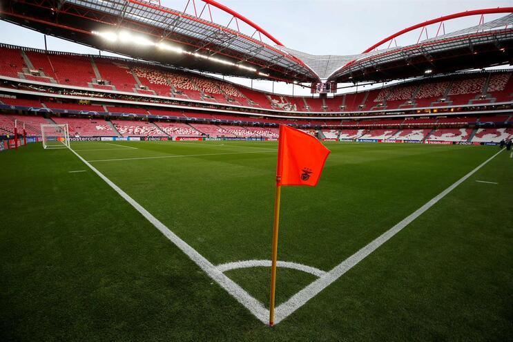 Siga em direto o Benfica - Lyon
