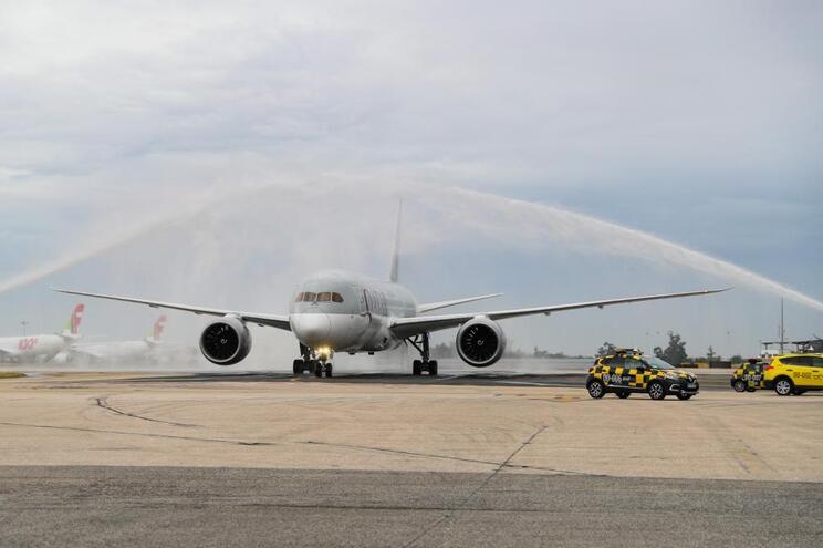 Qatar Airways aterra pela primeira vez em Lisboa