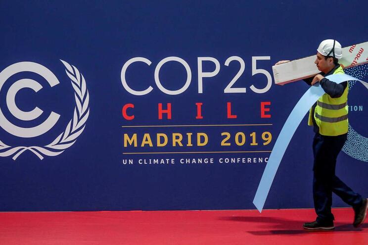 Conferência deveria realizar-se no Chile mas a tensão social no país obrigou a deslocá-la para Madrid