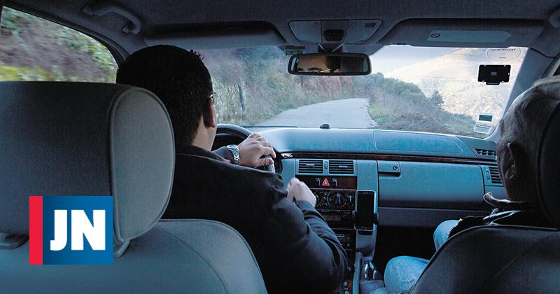 Apanhado 17 vezes a conduzir sem carta recebeu perdão