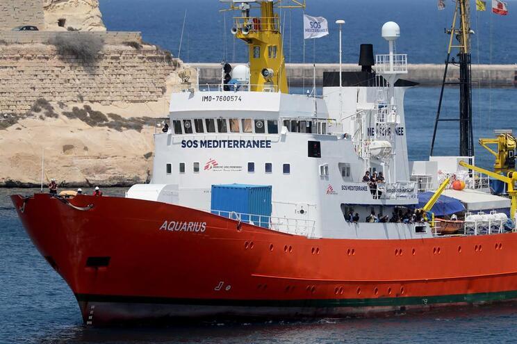 Migrantes foram resgatados pelo nacio MV Aquarius, em julho
