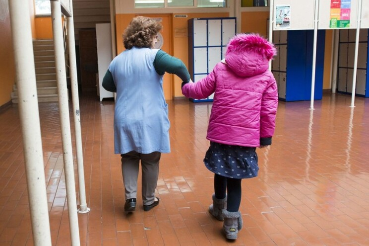 Funcionários financiam ilegalmente custos de deslocações entre escolas