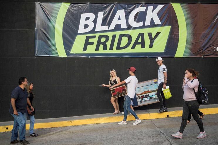 """Irregularidades e violações à lei durante a """"Black Friday"""""""