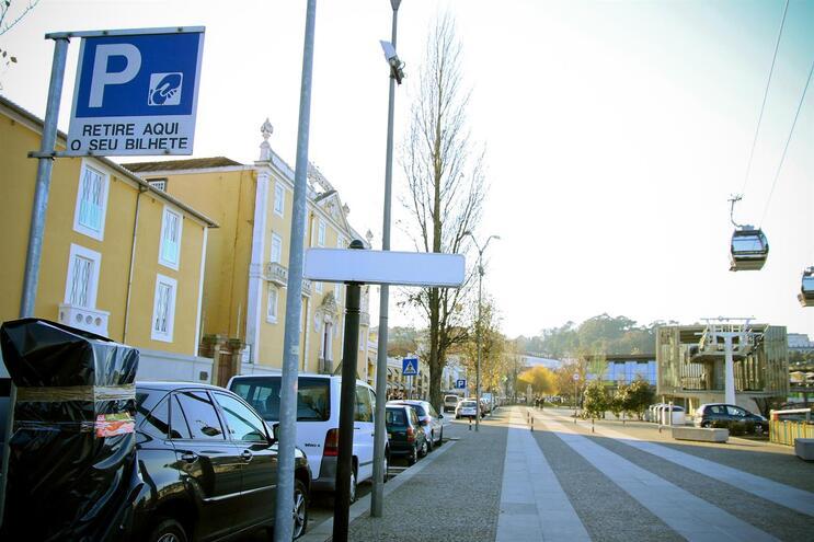 Estacionamento em Gaia mantém-se gratuito até final de junho