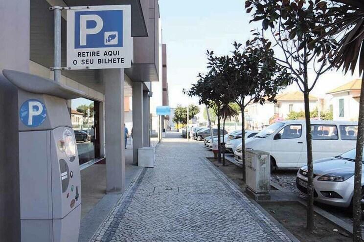 BE e CDU alertam para novos problemas na concessão de estacionamento da Feira