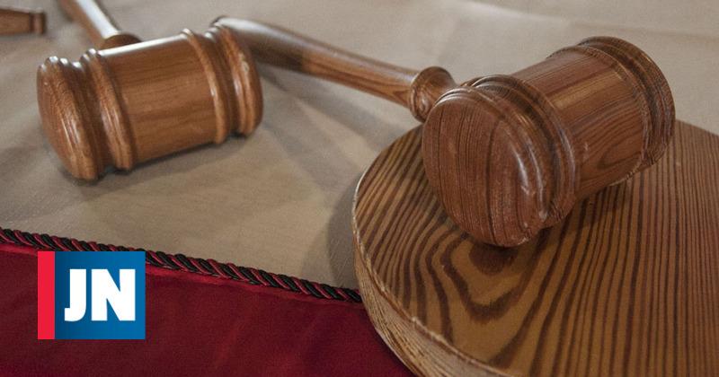 Condenado por triplo homicídio em tribunal por tráfico de droga na prisão