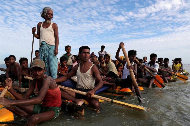 Líderes militares de Myanmar devem ser julgados por genocídio contra rohingyas