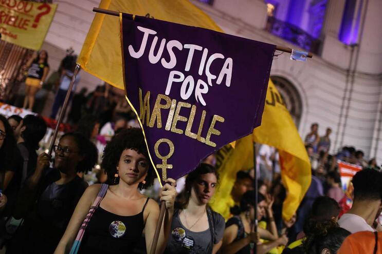 Polícia investiga depoimento de porteiro de Bolsonaro em caso da morte de Marielle Franco