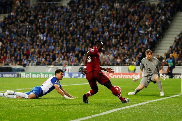F. C. Porto perde e é eliminado pelo Liverpool da Champions