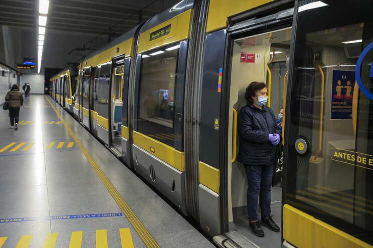 Encargo vai ser dividido pela empresa de transportes e pelo Fundo Ambiental